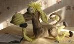 Конь-книголюб – вязаная игрушка крючком – описание