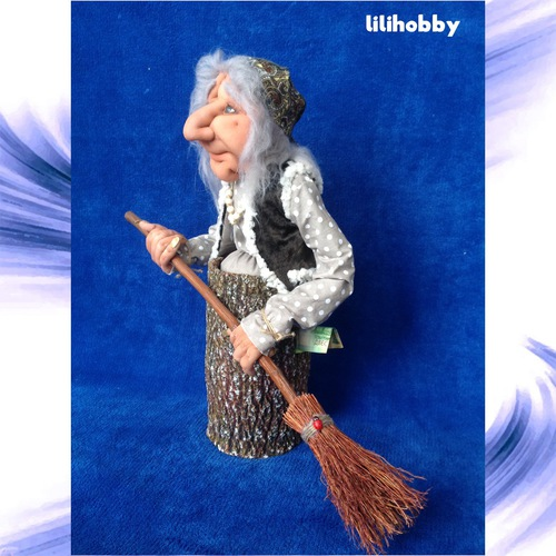 Баба Яга в ступе с метлой кукла копилка 3