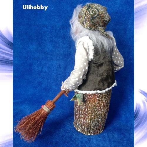 Баба Яга в ступе с метлой кукла копилка 2