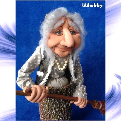 Баба Яга в ступе с метлой кукла копилка 1