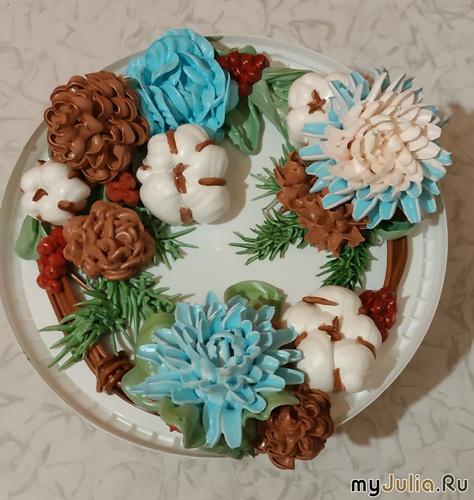 Пробный вариант украшения новогоднего торта.