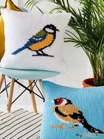 Вязаные диванные подушки «Garden Birds»Автор: Галина