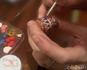 Роспись миниатюрной крынки