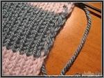Как спрятать протяжки ниток по краям при цветном вязании. Автор: madhat87